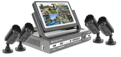 Skytec DVR Kit 7inch TFT Monitor met 4 camera's en 500GB HDD